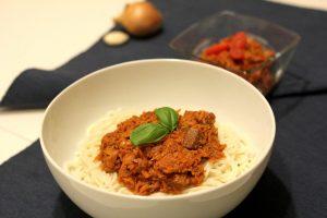 špagety, cestoviny, jackfruit, rastliné jedlo, rastlinná strava, chlebovník obecný