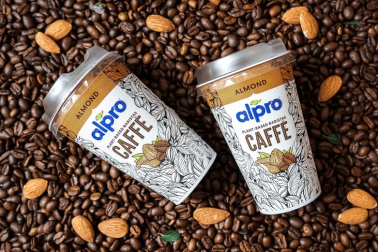 Káva Alpro s mandľovým mliekom
